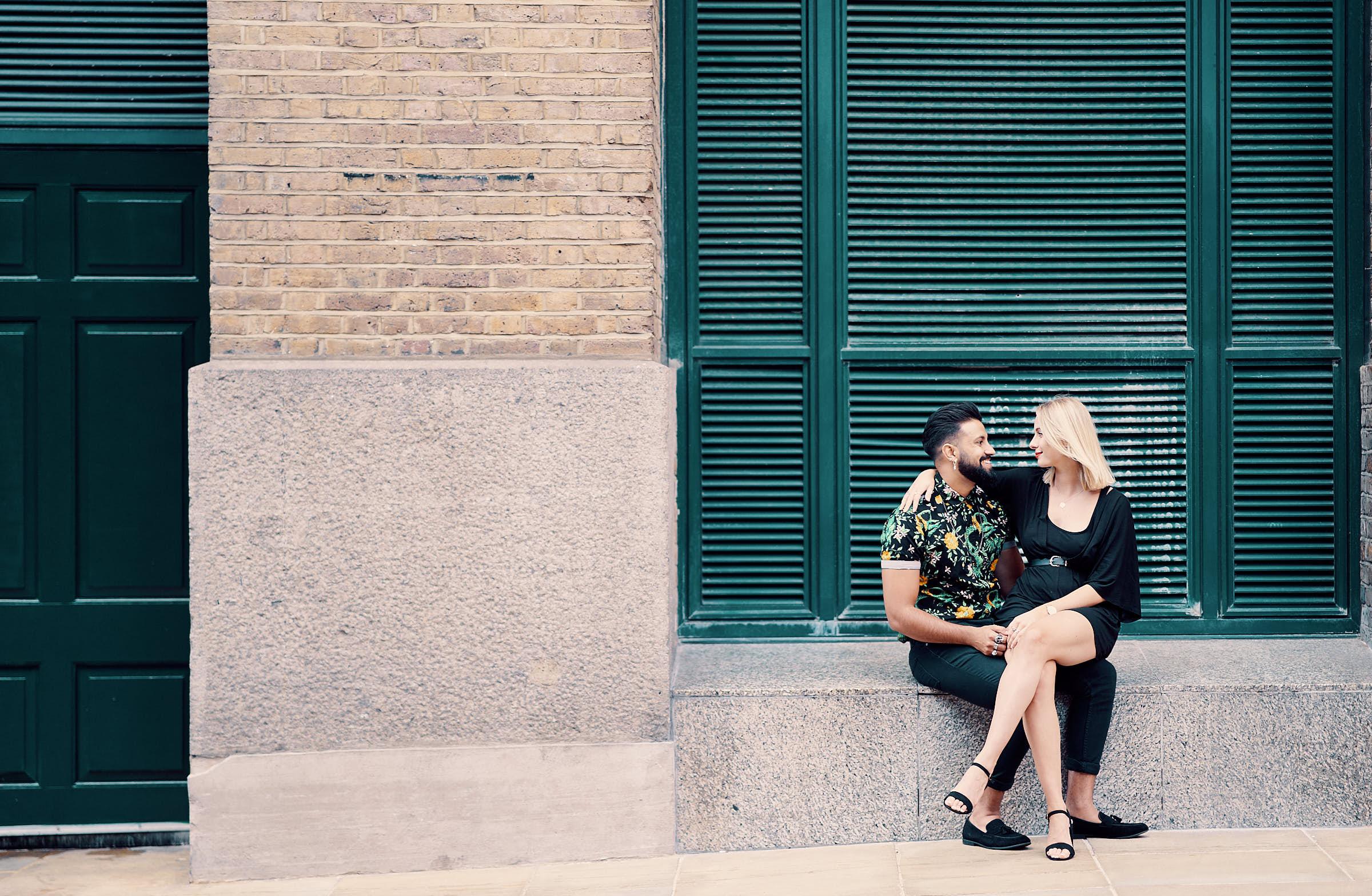 Sexy Couple Poses London City Photoshoot Photoshoot A Few Good Clicks