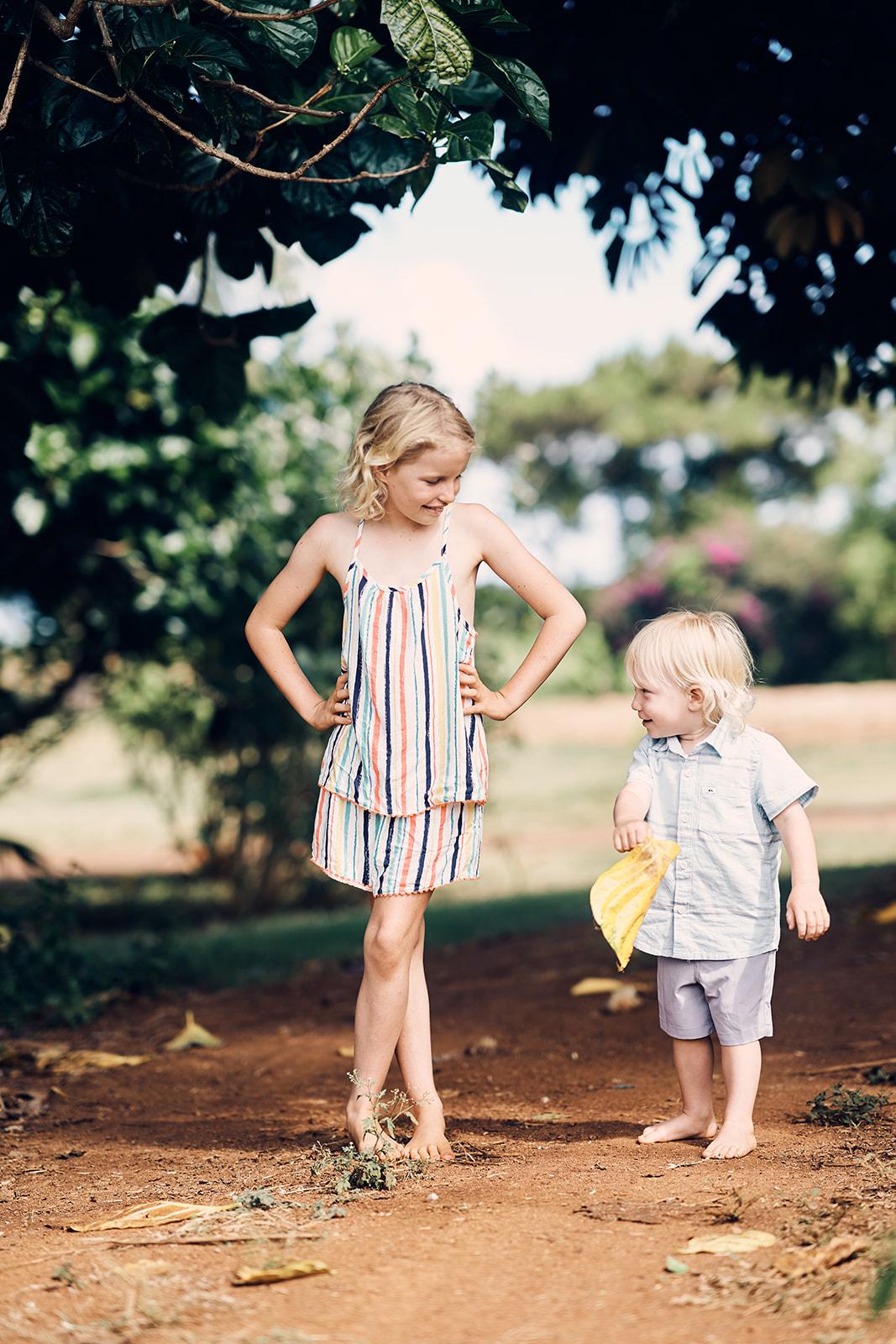 Sibling Photos Kauai Farms Timbers