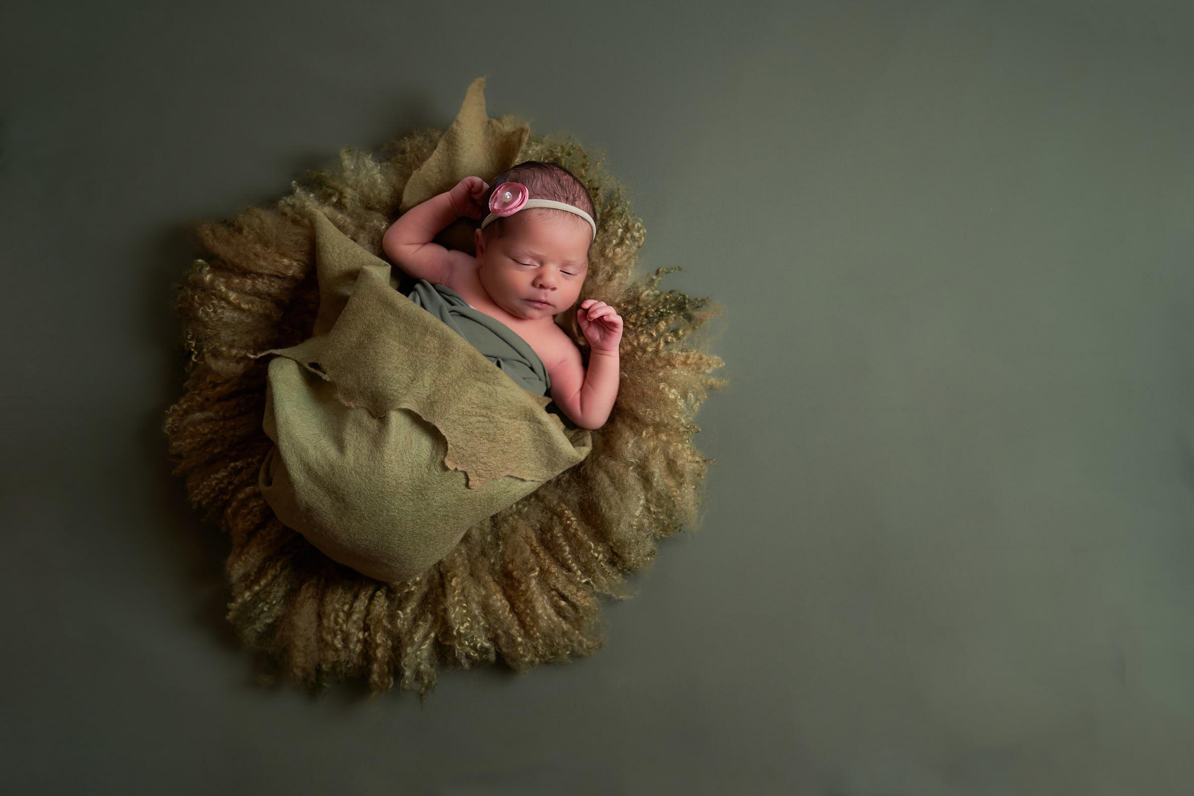 Kauai Newborn Photographer Princeville Afewgoodclicks.