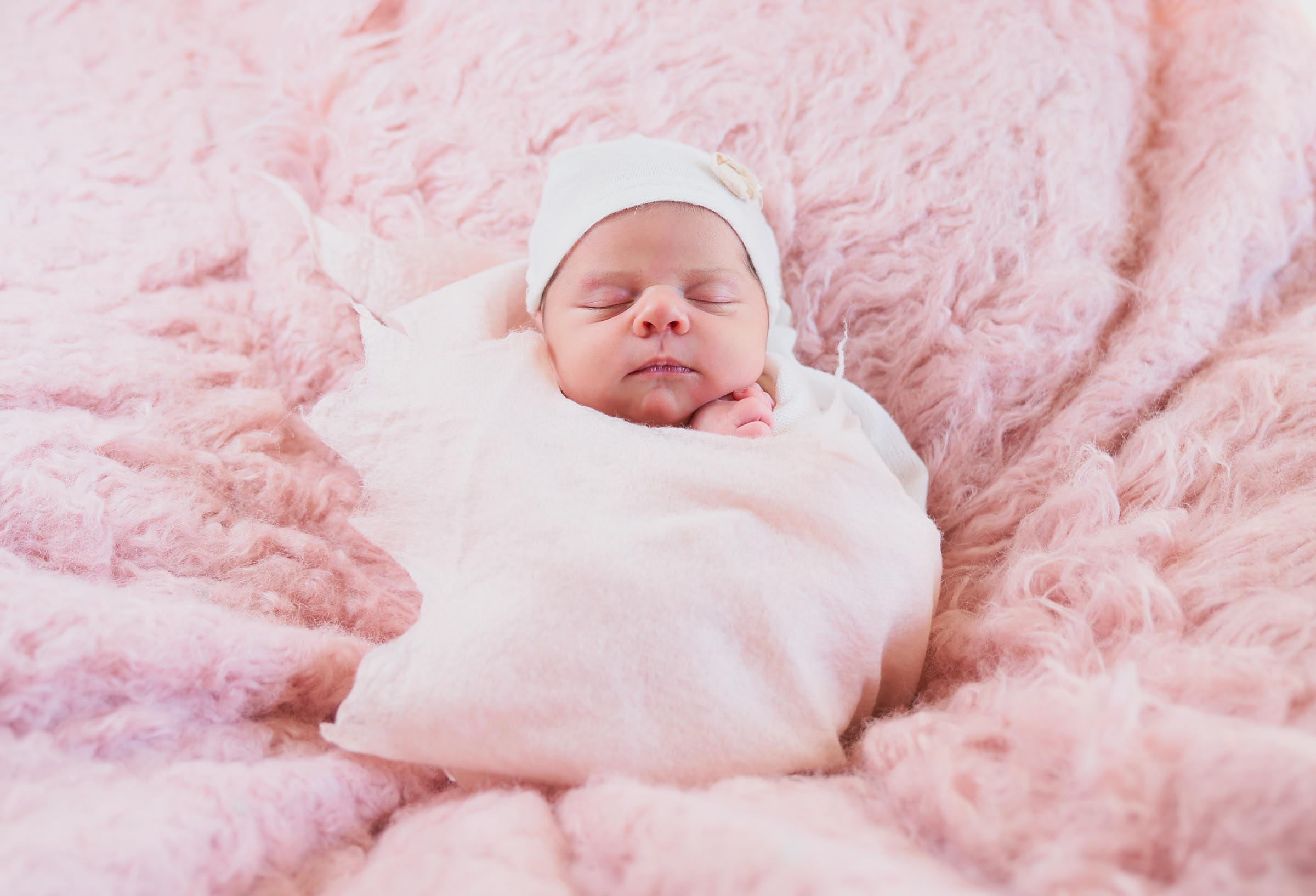 Afewgoodclicks In Home Newborn Photographer Pink Wraps