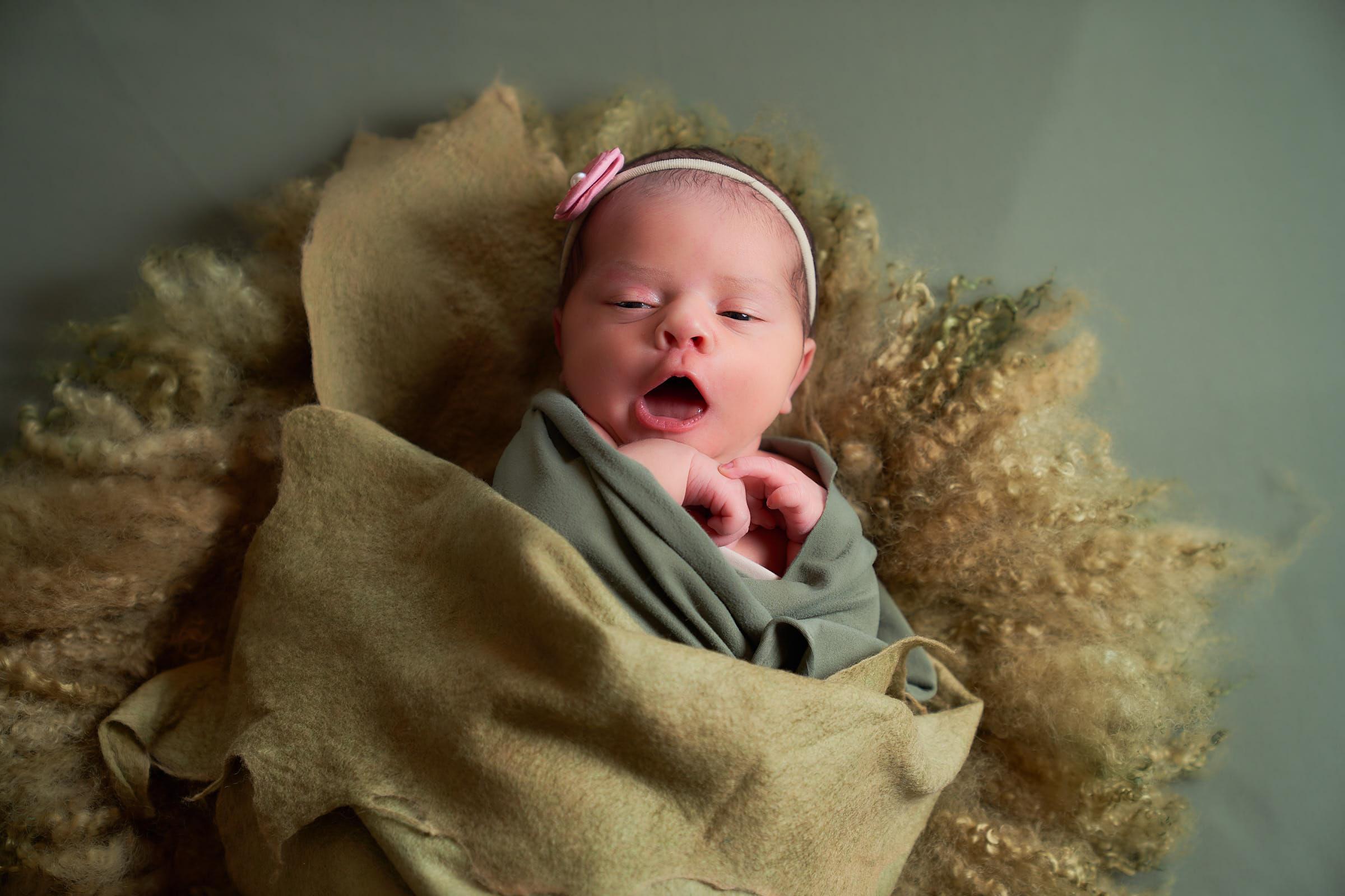 Kauai Baby Photographer In Home Photoshoot
