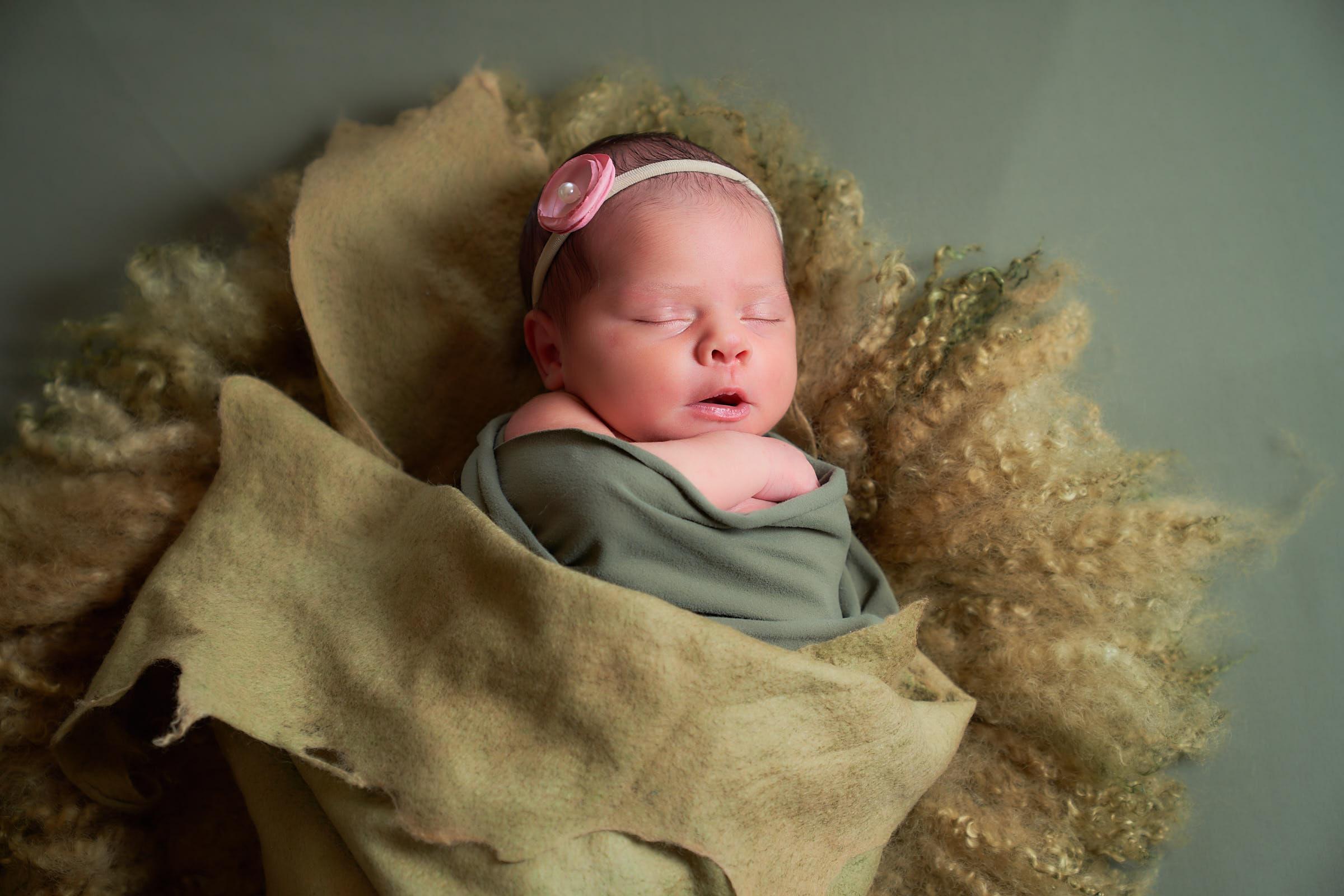 Kauai Baby Photographer Studio Set Up Inhome